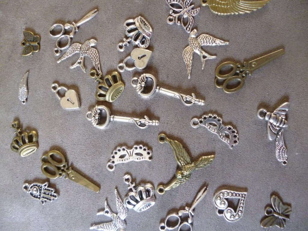 Mini metal charms