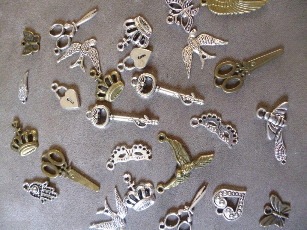 Mini metal charms