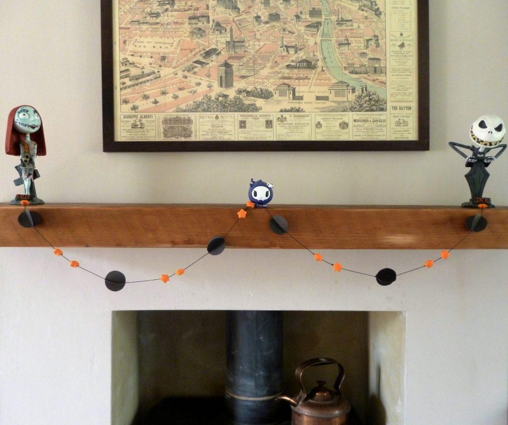 Halloween orange & black paper garland